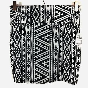 🦋NWT Charlotte Russe Tribal Aztec Mini Skirt Med
